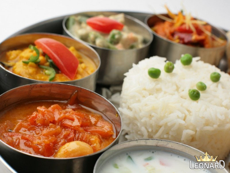 برای کاهش وزن ناهار را ساعت ١٢:٣٠ ظهر بخورید