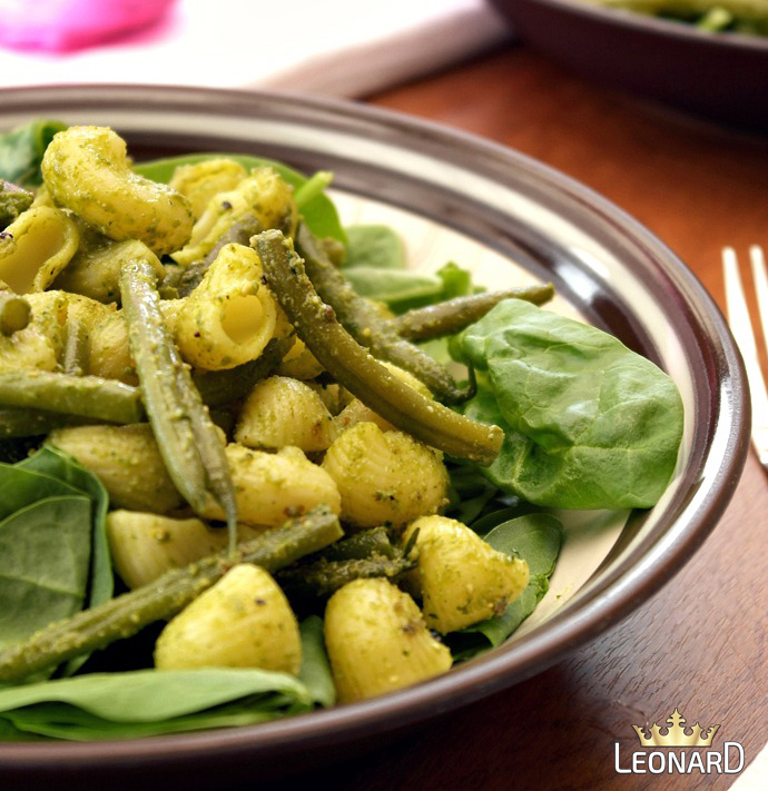 پاستا با لوبیا سبز، اسفناج و سس پستو